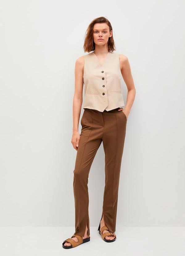 Pantalón con aberturas de color marrón