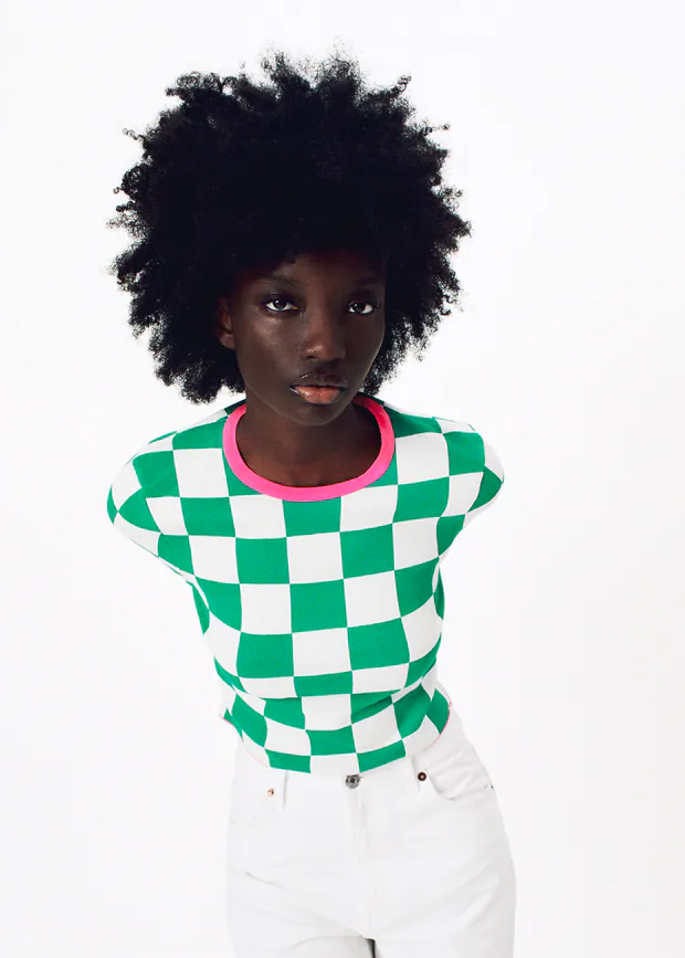 camiseta con estampado damero de zara