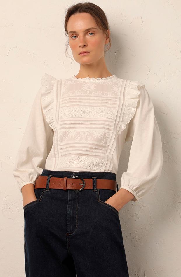Blusa bordados de Lloyd's