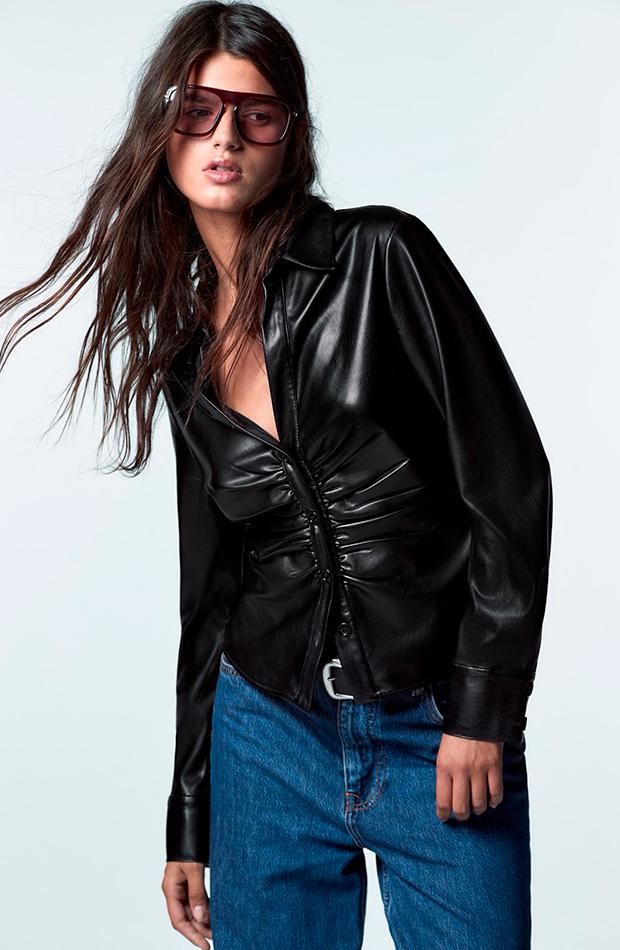 Camisa de Zara en color negro efecto piel