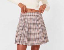 Las faldas de tablas marcan tendencia estos meses