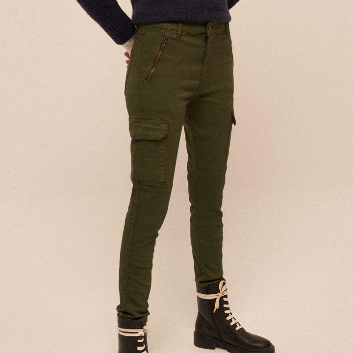 Pantalón verde con bolsillos de Amichi: tendencias del 2019