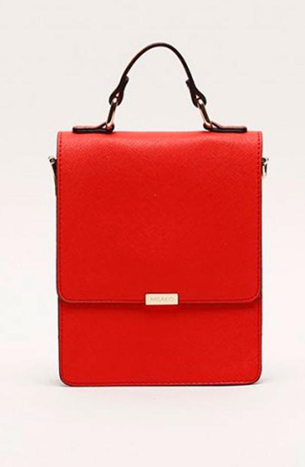 Mini-bandolera roja: bolsos verano y oficina