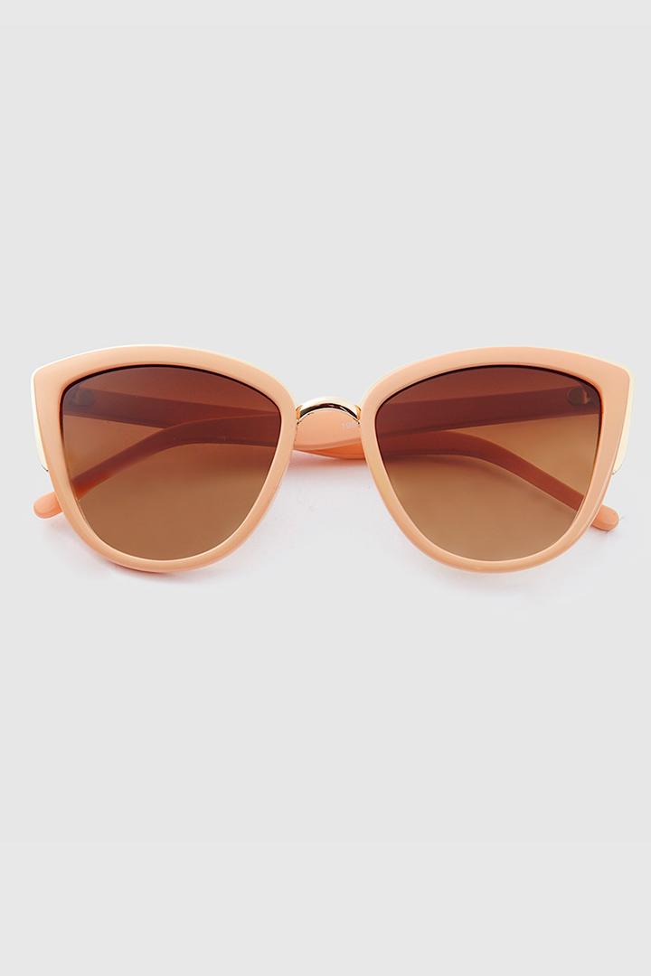 Gafas de sol ojo de gato nude de El Corte Inglés