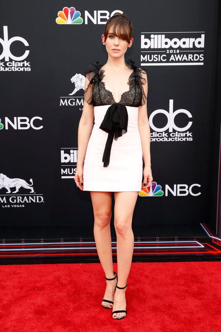 Alison Brie Billboard Music Awards 2018