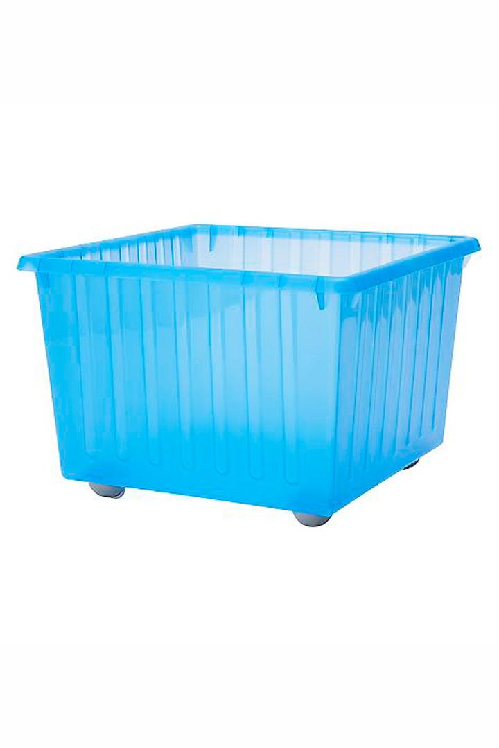 Caja de plástico con ruedas de Ikea almacenaje de juguetes