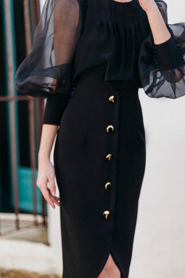 Falda negra con botones de Cherubina