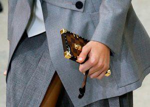 La funda de móvil de Louis Vuitton: ¿el nuevo accesorio de moda?