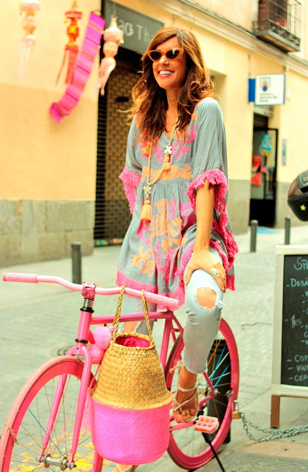 Mytenida en una bici
