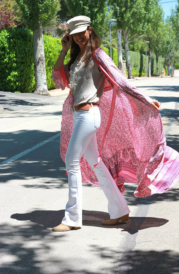 Mytenida con kimono colorido