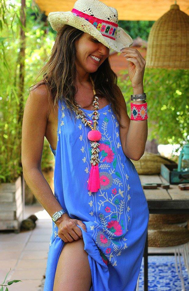 Mytenida con vestido azul