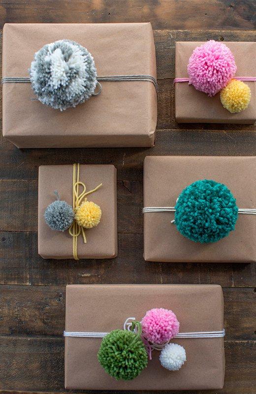 Envoltorios de regalos pom pom