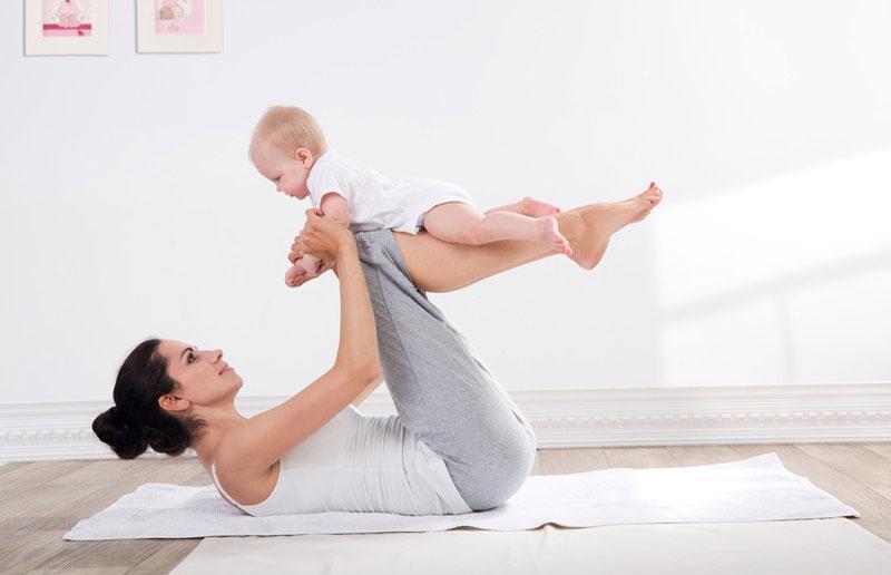 Practica ejercicios con tu bebé