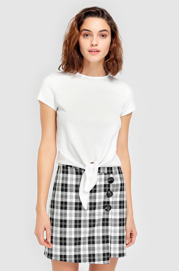 Falda de cuadros blancos y negros de El Corte Inglés