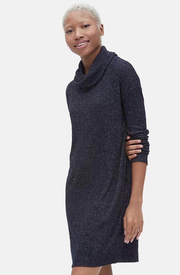 Vestido de punto con cuello vuelto de GAP: prenda invierno vestidos