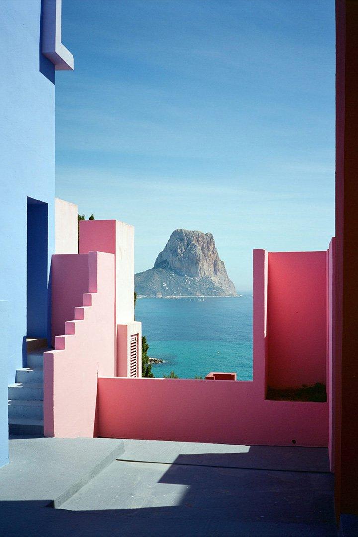 Hoteles Instagrameables: La Muralla Roja