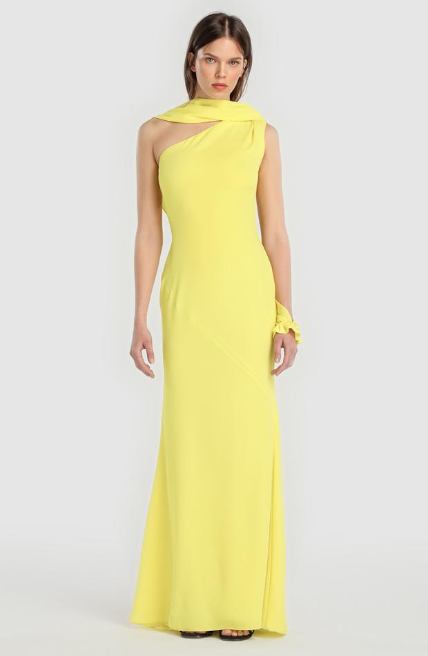 Vestido largo amarillo de Juanjo Oliva para El Corte Inglés: look de invitada de rebajas