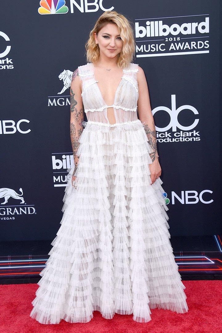 Julia Michaels Billboard Music Awards 2018
