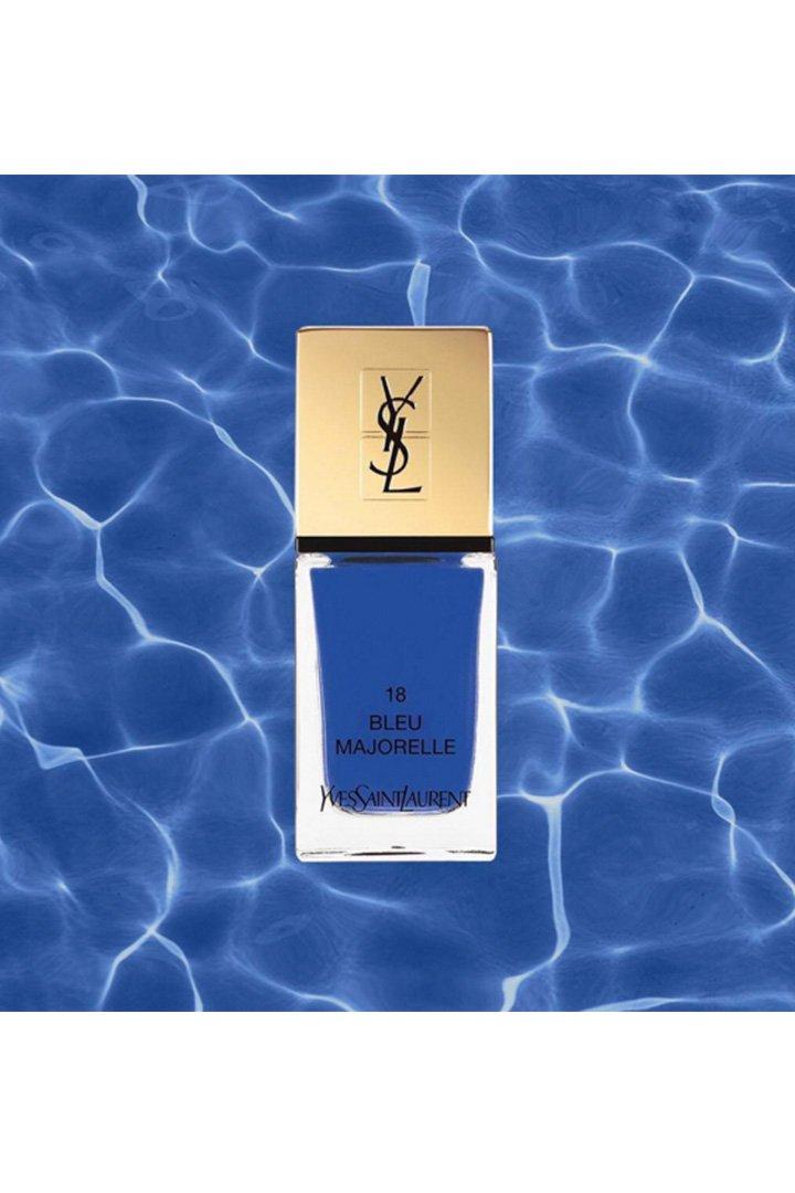 Laque Couture N°18 Bleu Majorelle, la laca de uñas estrella del verano de Yves Saint Laurent