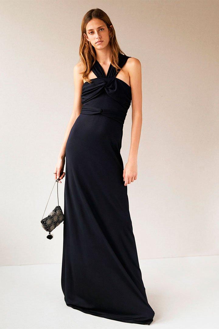 Looks de invitada en rebajas: Vestido largo negro