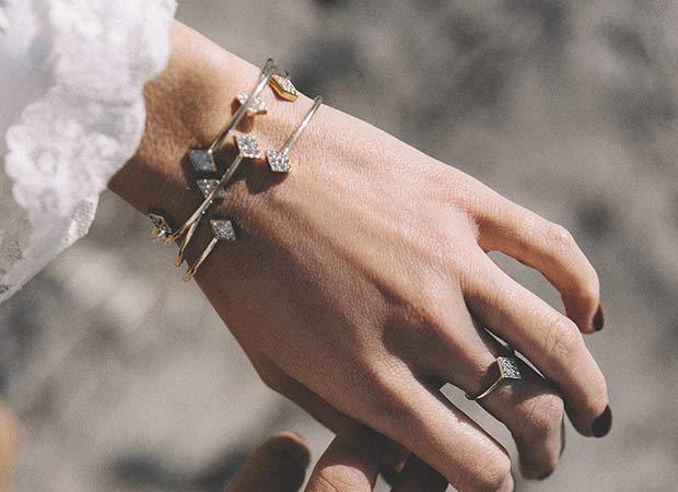 Joyitas para el cuerpo de la colección de joyas de Collage Vintage