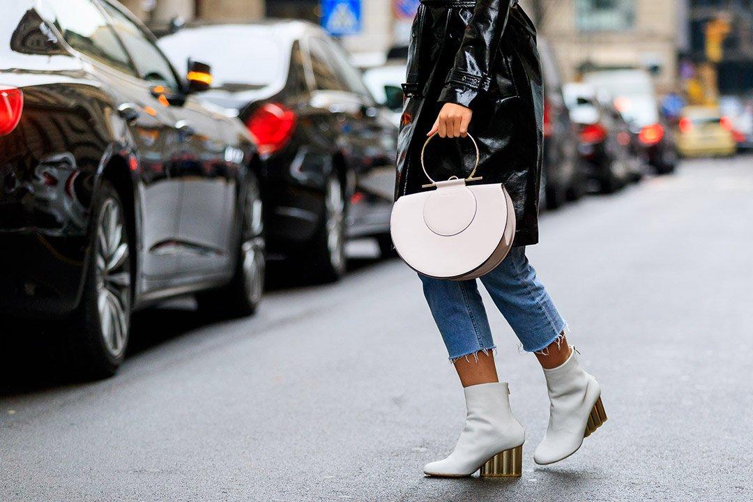 botas blancas en el street style de Milan Fashion Week