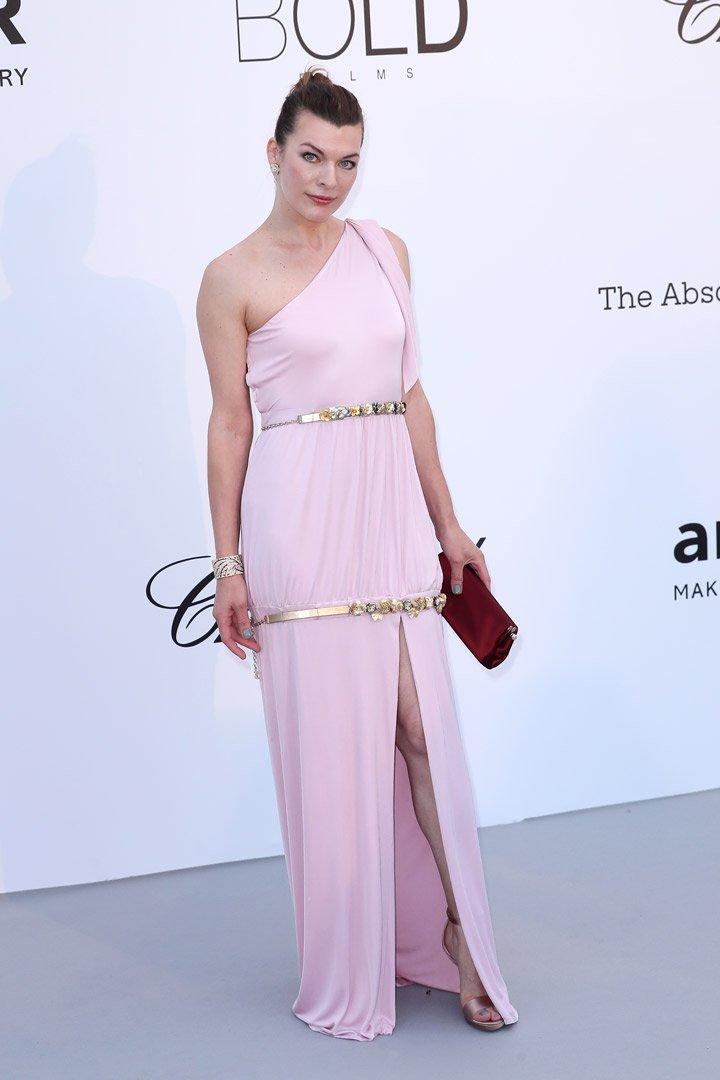 Milla Jovovich Gala amfAR 2018 Cannes