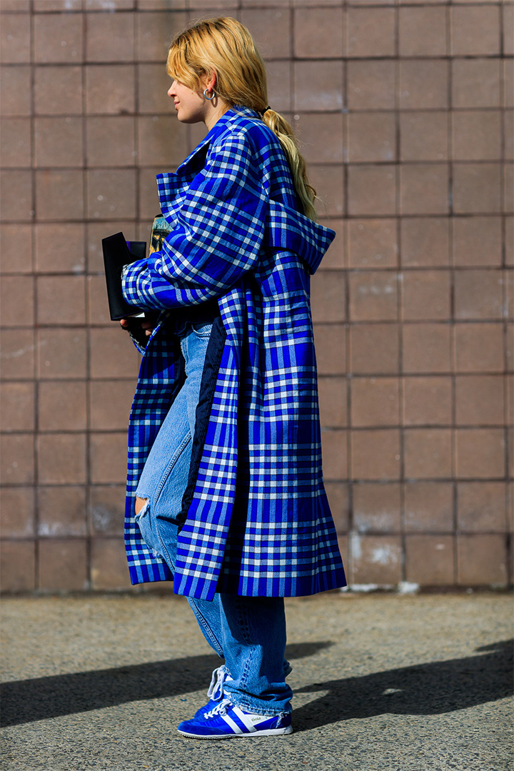 Look azul en New York Fashion Week
