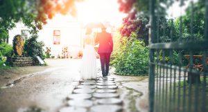 Sobrevive a una boda bajo la lluvia