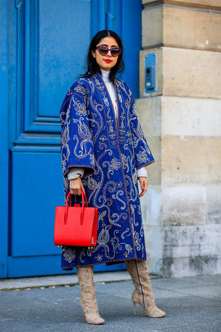 bolso rojo en Paris Fashion Week