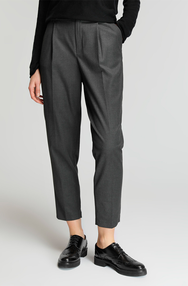 Pantalones masculinos grises de El Corte Inglés