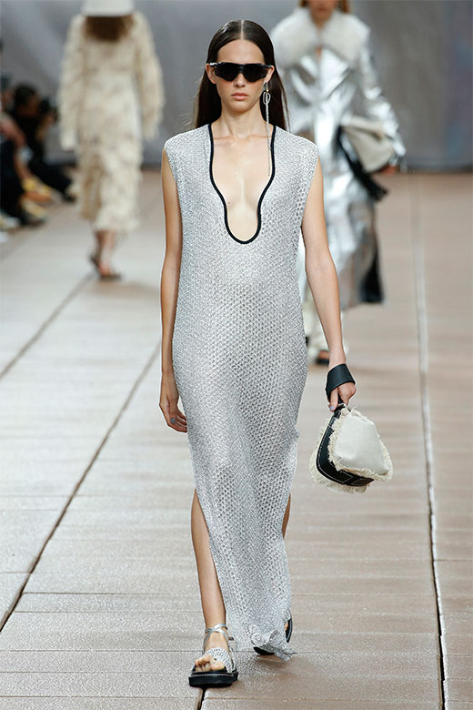 Vestido plata de Phillip Lim Ready to Wear SS 2019