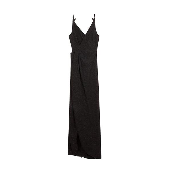 Vestido largo negro de la colección Ready to glow de Bershka