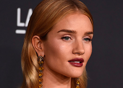 El look de belleza de Rosie Huntington Whitley Yves Saint Laurent