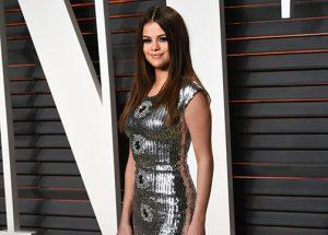 Los 100 mejores looks de Selena Gómez