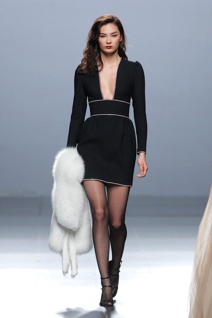 Vestido negro Desfile The 2nd Skin Co. Otoño/Invierno 2016/2017