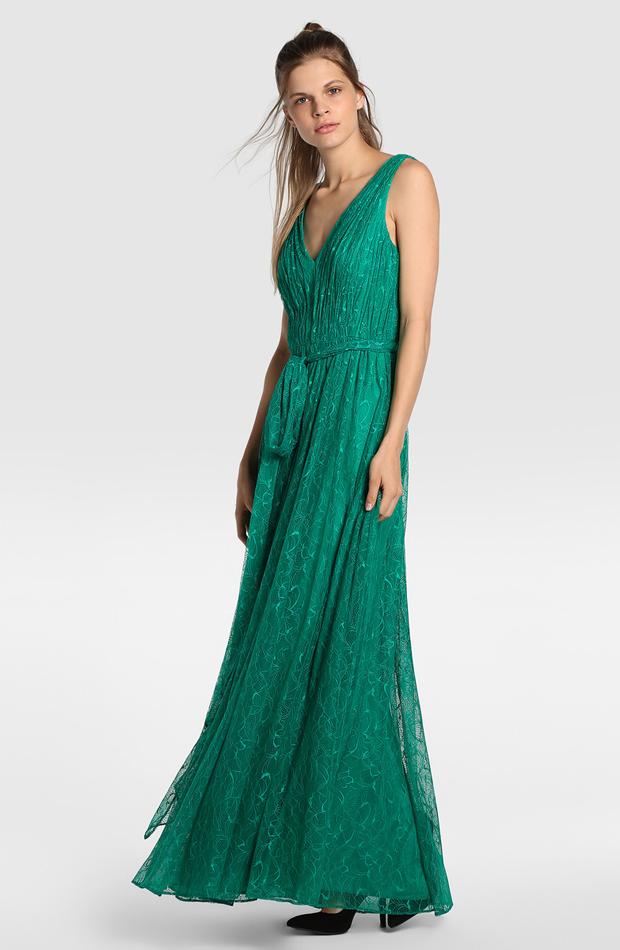 Vestido verde de encaje de Vera Wang for Tintoretto: look de invitada de rebajas