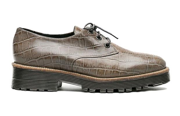 Zapatos L'Intervalle para El Armario de la Tele