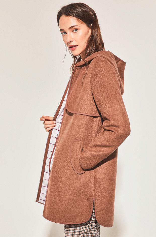 Abrigo camel de Cortefiel