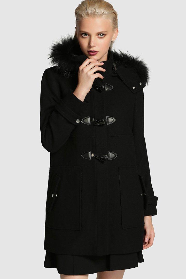 abrigo_negro_con_capucha_de