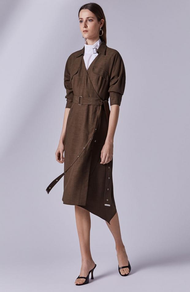 Vestido marrón asimétrico de Adolfo Dominguez: rebajas looks de otoño