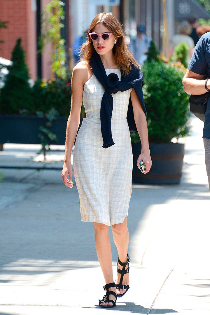 6ae15391d9 Alexa Chung  100 mejores looks - StyleLovely