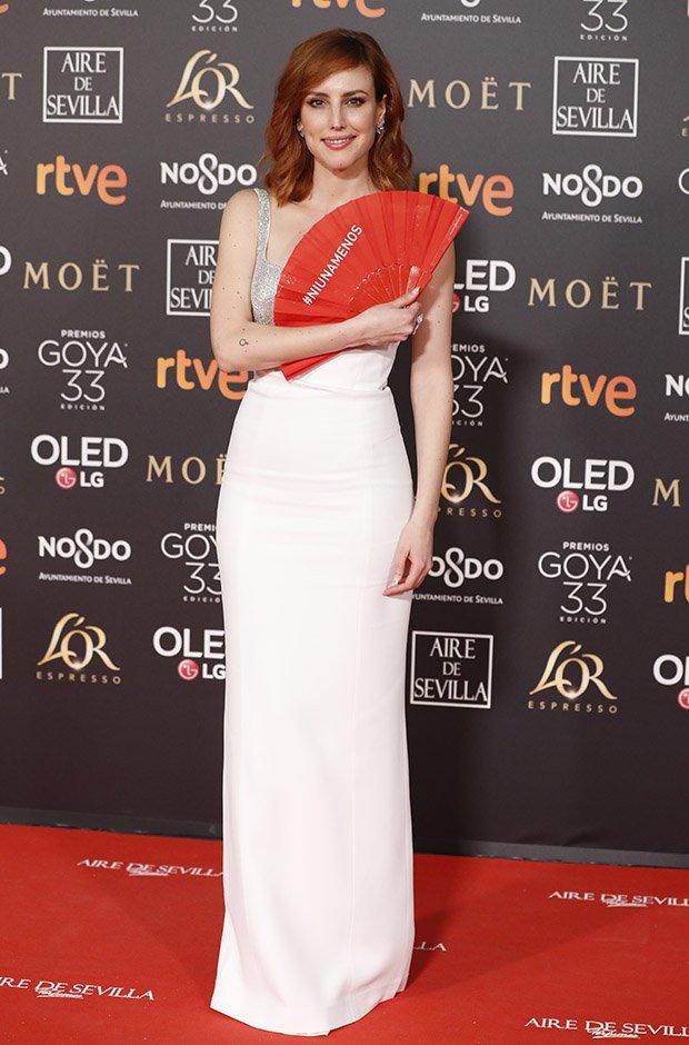 Natalia de Molina en la alfombra roja de los Premios Goya 2019