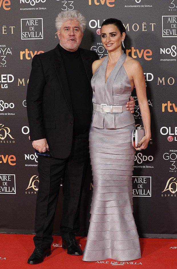 Pedro Almodóvar y Penélope Cruz en la alfombra roja de los Premios Goya 2019