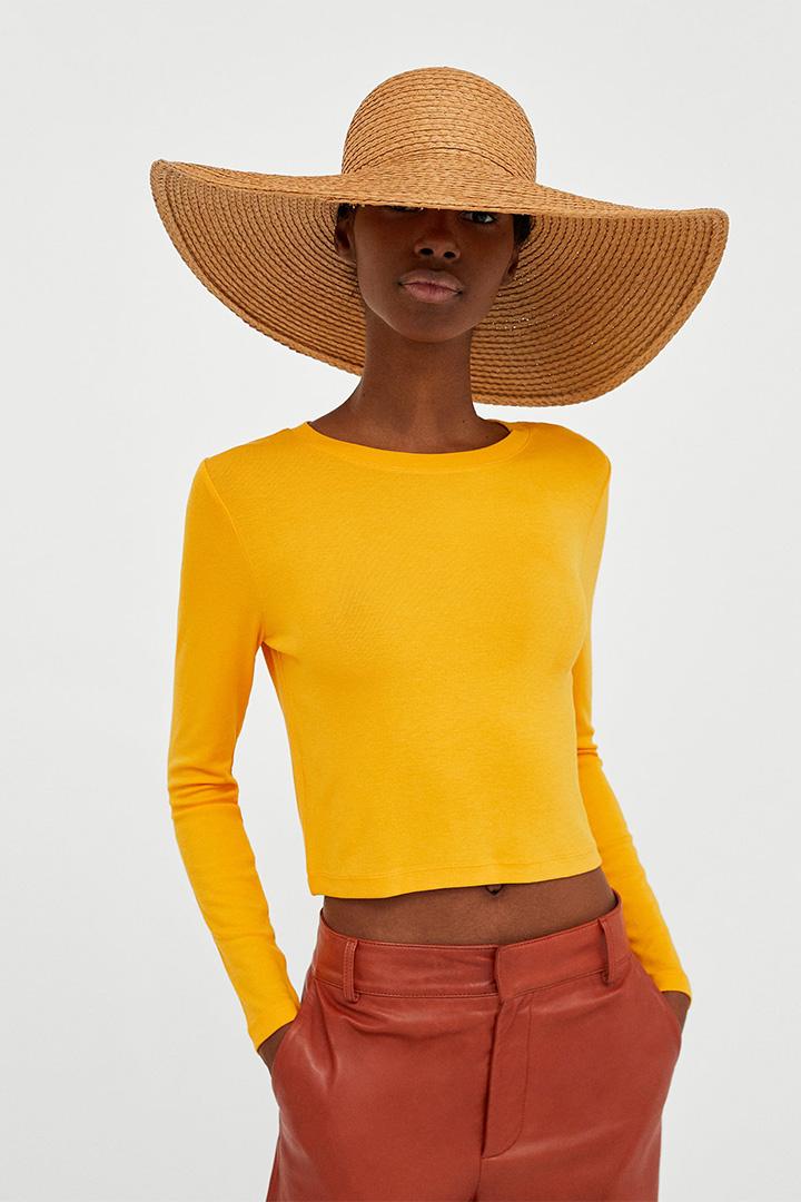 camiseta amarilla de zara