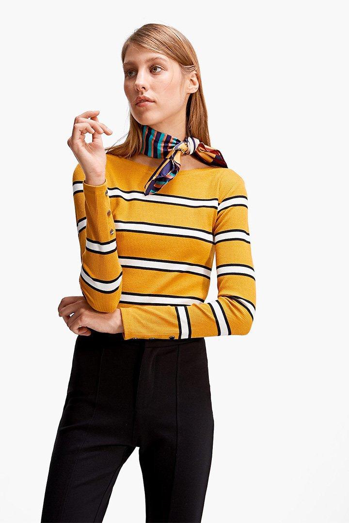 camiseta de rayas amarillas