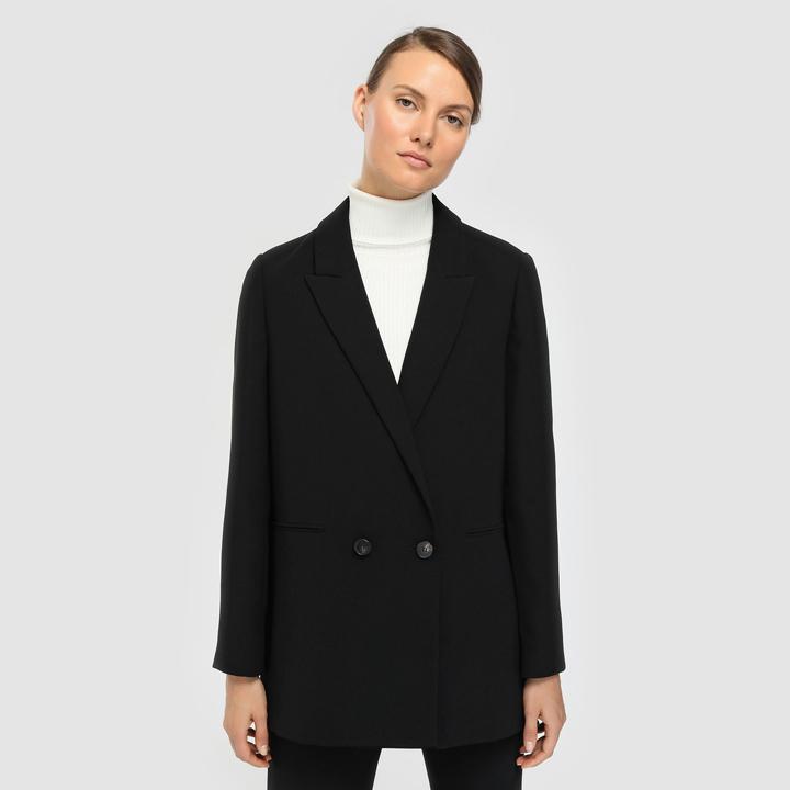 Blazer negro con cierre de doble botón de Woman Limited El Corte Inglés: fichajes de rebajas