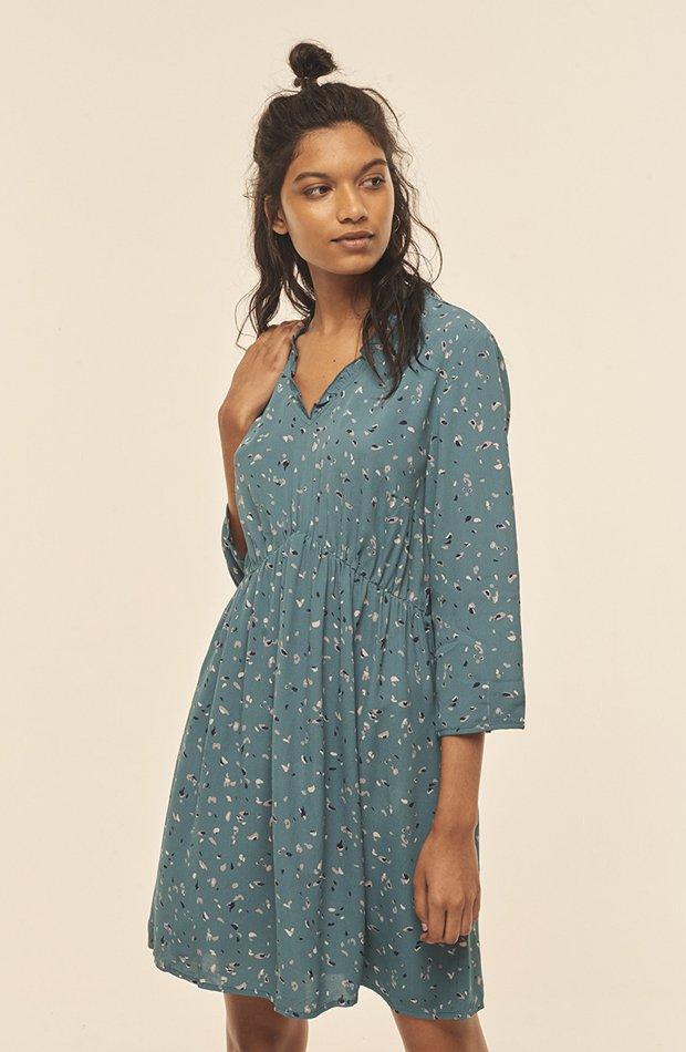 Vestido corto con estampado de Amichi: vestidos primavera 2019