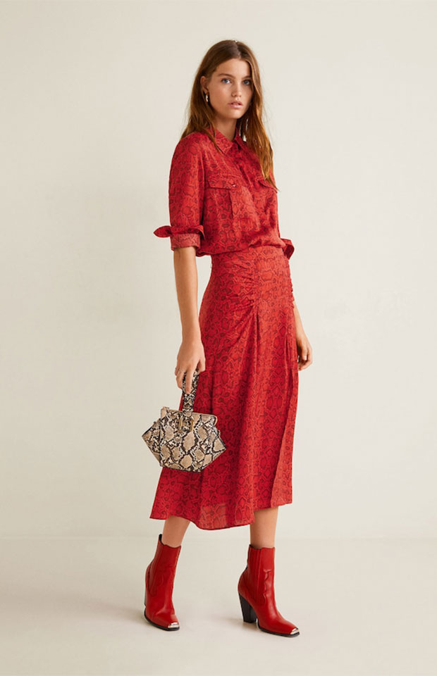Falda roja de animal print de Mango