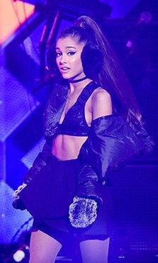 El mundo de la música se vuelca con las vícitmas del concierto de Ariana Grande